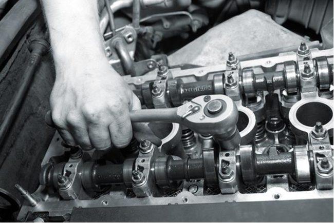 Стук в двигателе на холостых