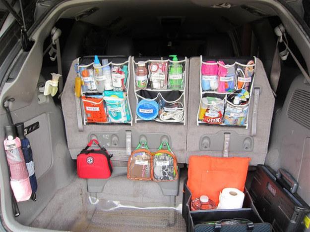 Наведите порядок в багажнике с помощью корзины для белья
